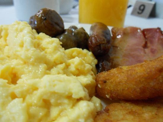 Metro Hotel Perth: Breakfast Buffet