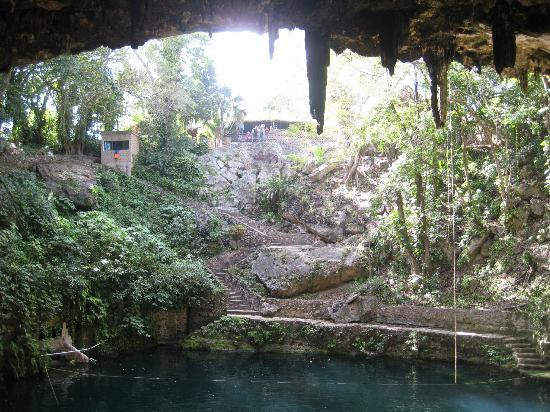 Casa Hamaca Guesthouse : the cenote in Valladolid