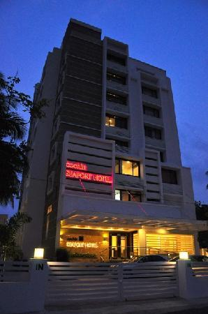 Cochin Seaport Hotel 44 Reviews