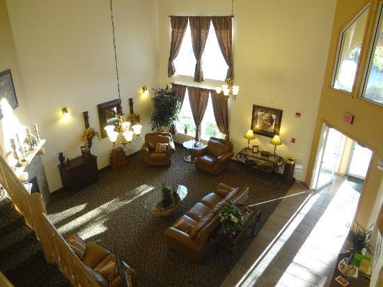 La Quinta Inn & Suites Kalispell: lobby area