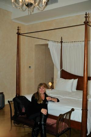 Smetana Hotel : bed