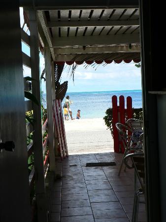 Chez Guynette: Dans le couloir, vue sur le lagon !