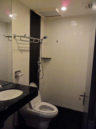 Venus Boutique Hotel: Bathroom