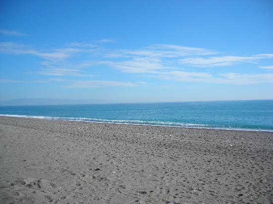 Bed & Breakfast CasAnsaldo: Pebble beach 8 km far