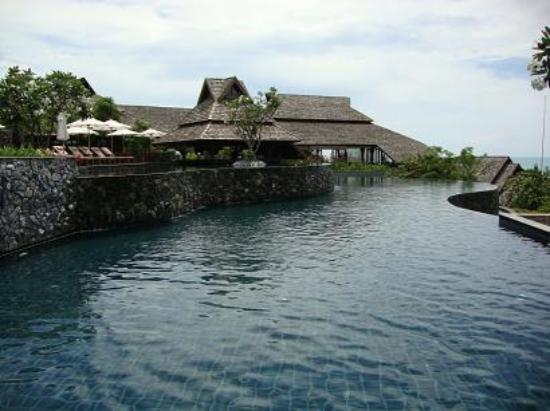 Nora Buri Resort & Spa: Infinity Pool #1, with a smaller pool and swim-in bar on top left
