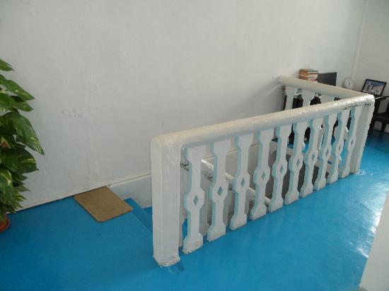 Sayang-Sayang 2 Youth Hostel: Stairs