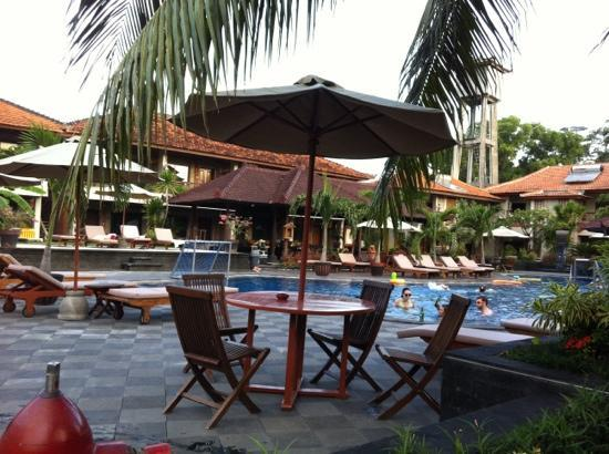 Kuta Beach Club Hotel: pool
