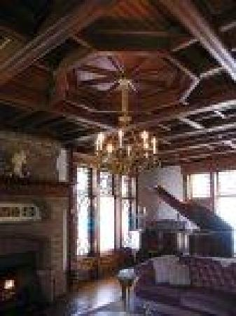 The Towers Bed & Breakfast: Music Room