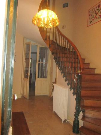 La Maison Bleue: Staircase upstairs