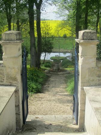 La Maison Bleue: garden
