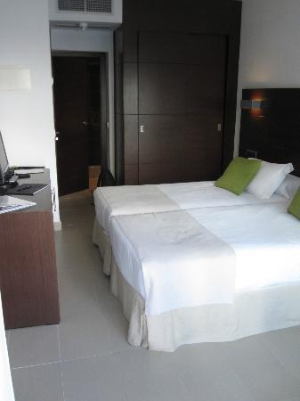 Las Gaviotas Suites Hotel: double room