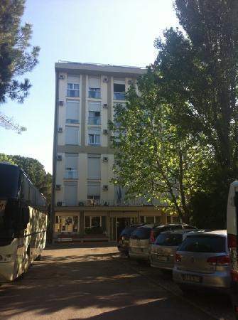 Corolle: hotel e parcheggio