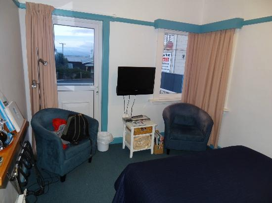 Freycinet Waters: our small room