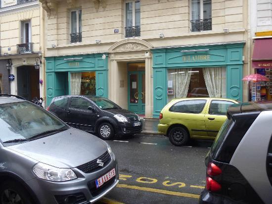 Hotel Delambre : Front of hotel