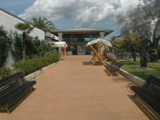 Seaclub Mediterranean Resort: Hotel entrance
