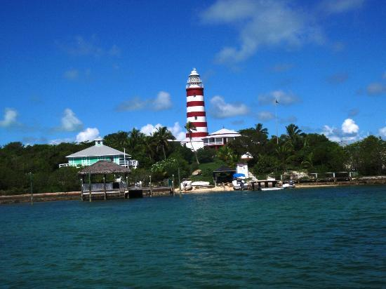 Остров Большой Абако: Hope Town Lighthouse is only accessible by boat but worth the effort.