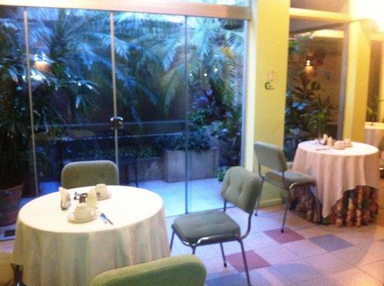 Hotel Amalfi: Área del comedor