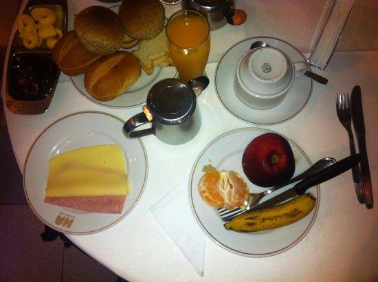Hotel Amalfi: Buen desayuno
