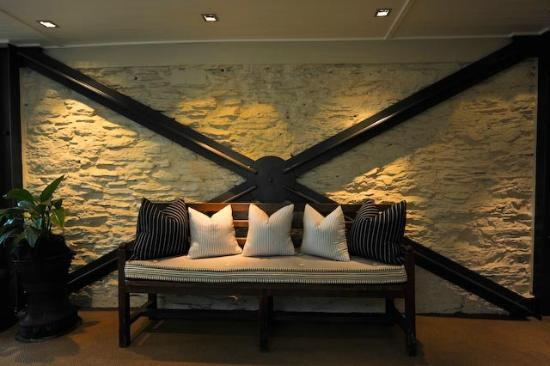 Eichardt's Private Hotel: hallway