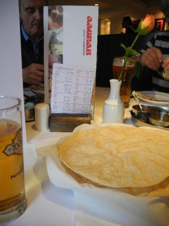 Aagrah - Shipley: Poppadoms and Pickles