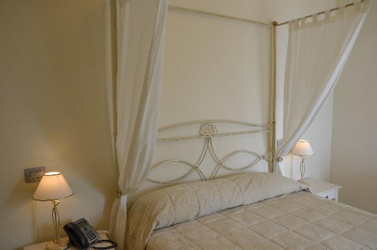 Incantea Resort - Tortoreto Abruzzo - Camera con letto a Baldacchino ...