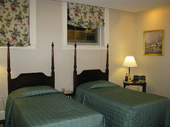 John Jeffries House: Room #004