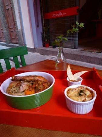 Coccinelle Bistro: Organic farm roast chicken