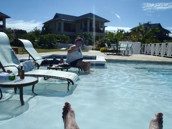 Moon Dance Cliffs: Relaxing in the pool - dirty banana mandatory
