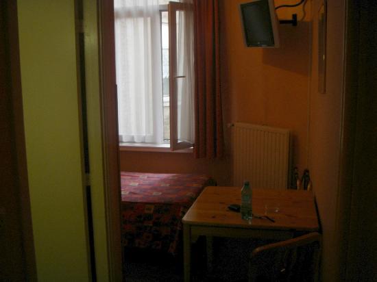 Hotel Derby: Room as entering