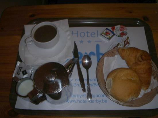 Hotel Derby: Breakfast IN the room