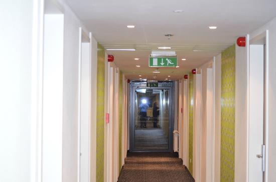 ACHAT Premium Budapest : Corridor