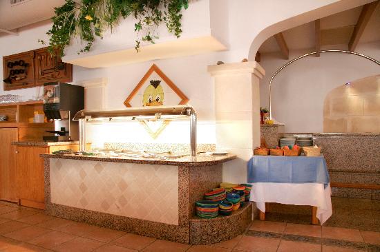 Royal Son Bou Family Club: Buffet infantil, Restaurante Es Prat