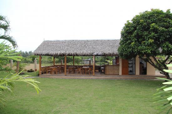 Alona42 Resort: Бар