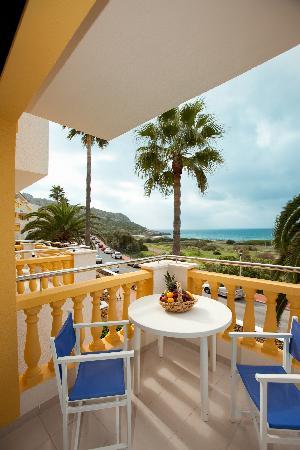 Royal Son Bou Family Club: Balcón apartamento A1VM (1 dormitorio estándar con vista mar)