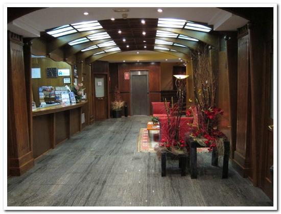 Hotel Cordon: Hotel lobby