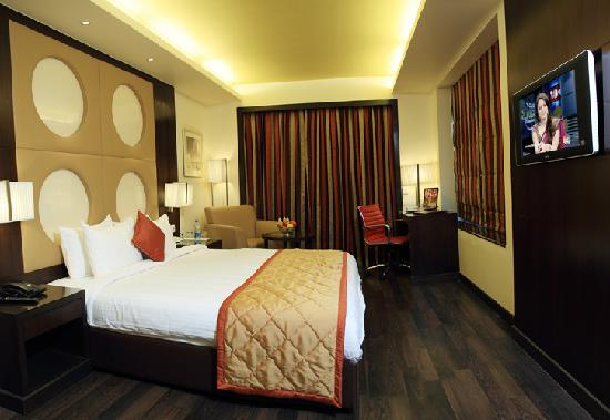 6th Avenue Hotel: Suite room at 6th Avenue, South Bangalore Hotel