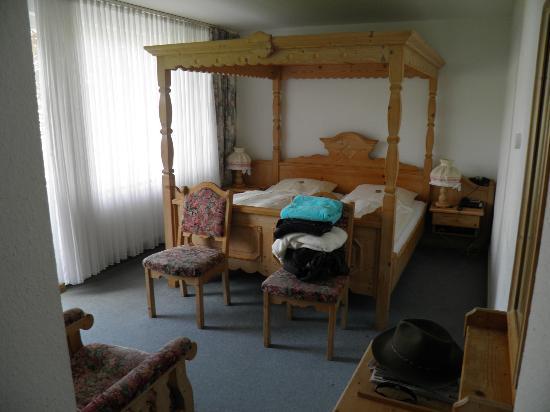 Hotel am Kaiserbrunnen: Our bedroom