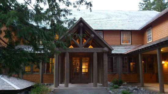 National Park Inn at Mount Rainier: こじんまりして、静かな宿