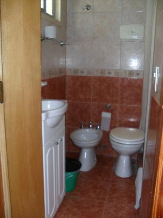 Hosteria Sur: Baño de la Habitación
