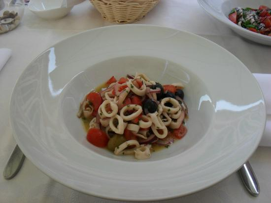 Bajamonti : one of the many dishes
