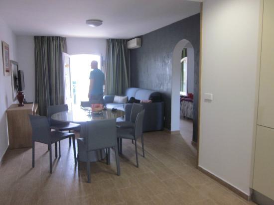 Ona Aucanada: Livingroom