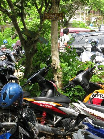 Rock 'n Reef Uluwatu: Rock n Reef car park