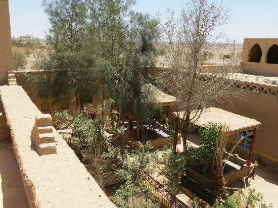 Hotel Kasbah Mohayut: courtyard