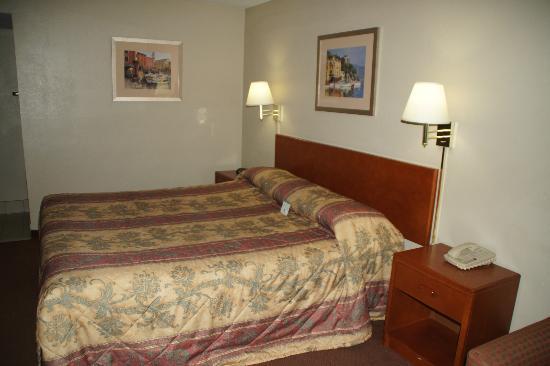 Good Nite Inn near SeaWorld : Bett