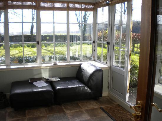 Trigony House Hotel: garden suite conservatory