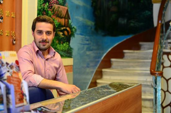 Yenı Hotel: The friendly reception staff - Mustafa