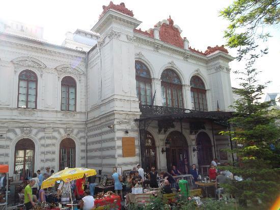 Bucharest Municipal Museum: sutu_palace