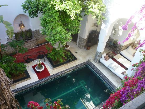 Hotel & Spa Riad Edward: View of the central courtyard from above