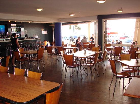 Pavilion Beachfront Boutique Hotel: Oceanview Onsite Restaurant