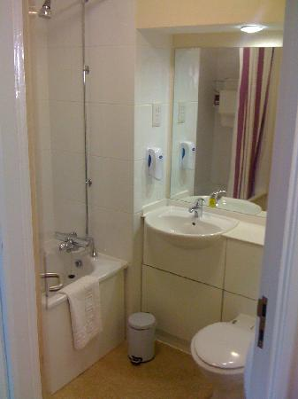 Bathroom picture of premier inn durham city centre durham tripadvisor Premiere bathroom design reviews